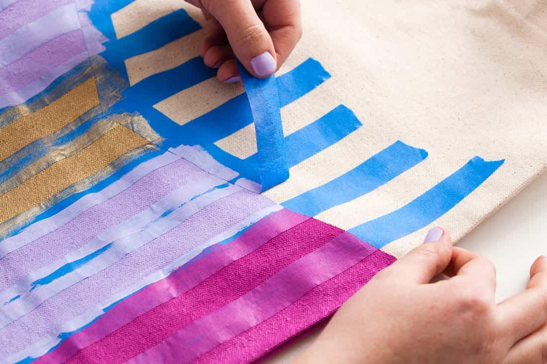 Diy tutorial paso 3 bolsa pintada ayuda para - Hacer bolsos de tela paso a paso ...