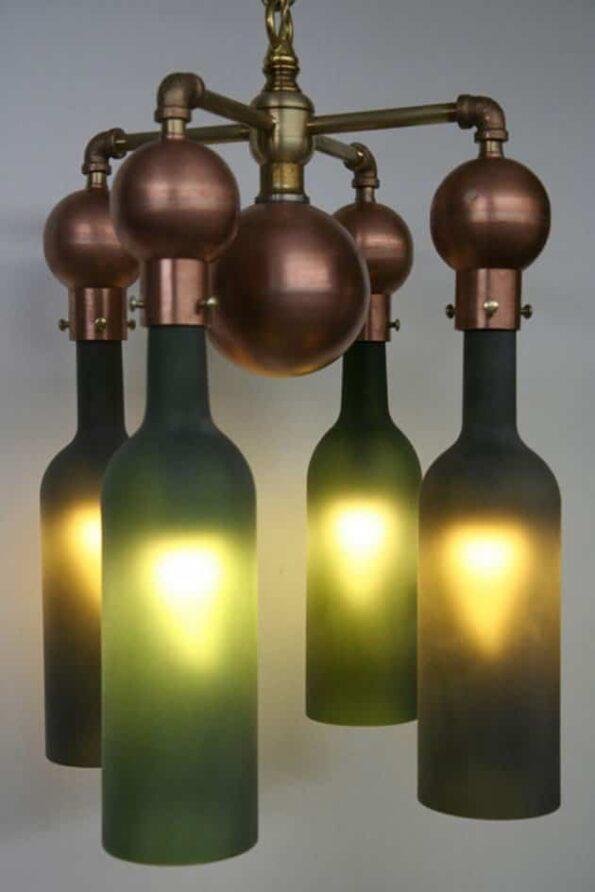 lampara con botellas vino recicladas 1