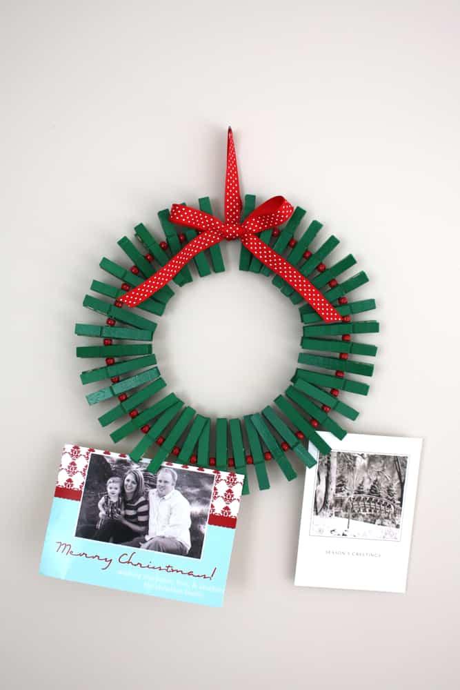 corona navidad con pinzas de la ropa 1