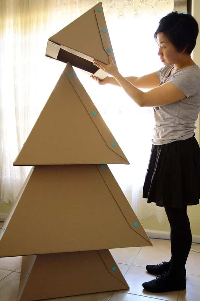 Rbol de navidad hecho con cart n ayuda para manualidades - Como hacer un arbol de navidad de carton ...