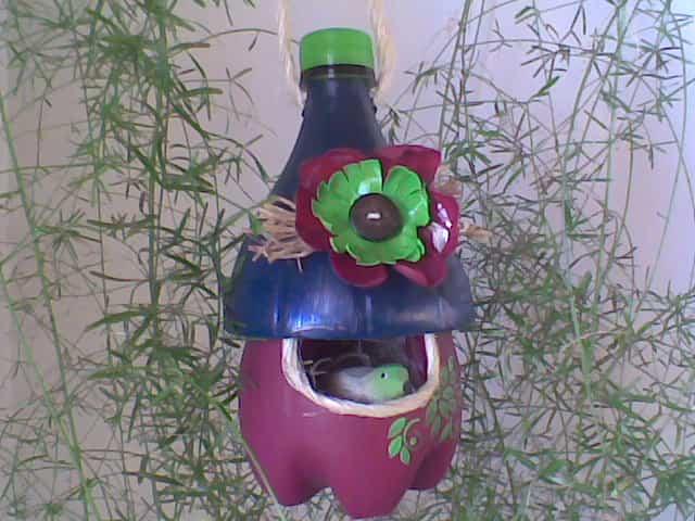 casa pajaros con botella de plastico 5