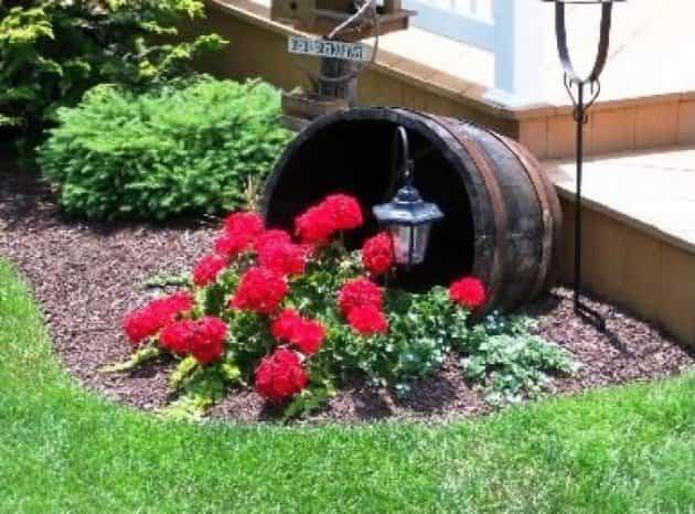 15 proyectos diy para decorar tu jard n ayuda para for Decoracion para jardin