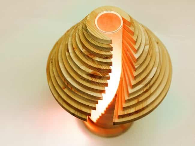 lampara por piezas de madera 12