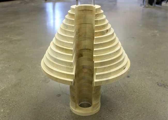lampara por piezas de madera 6