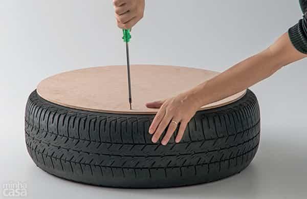 puf rueda reciclada 3