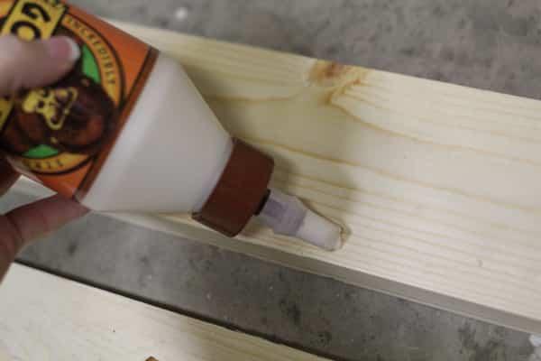 estante de madera fácil y económico