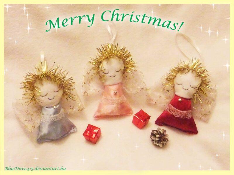 ángeles navideños hechos de tela