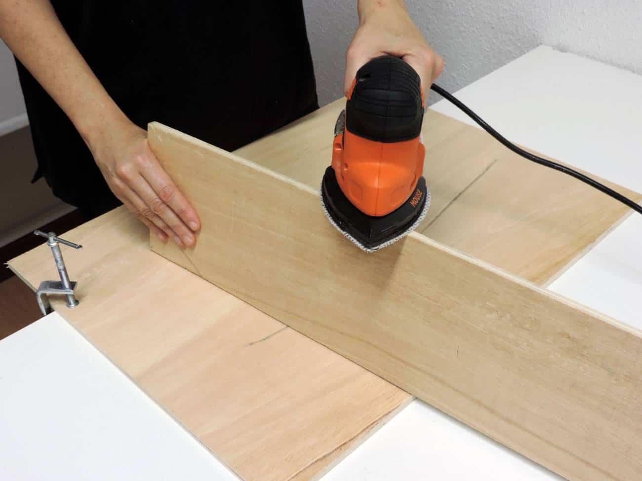 Estanteria para el recibidor - DIY -Lijar madera mouse 2