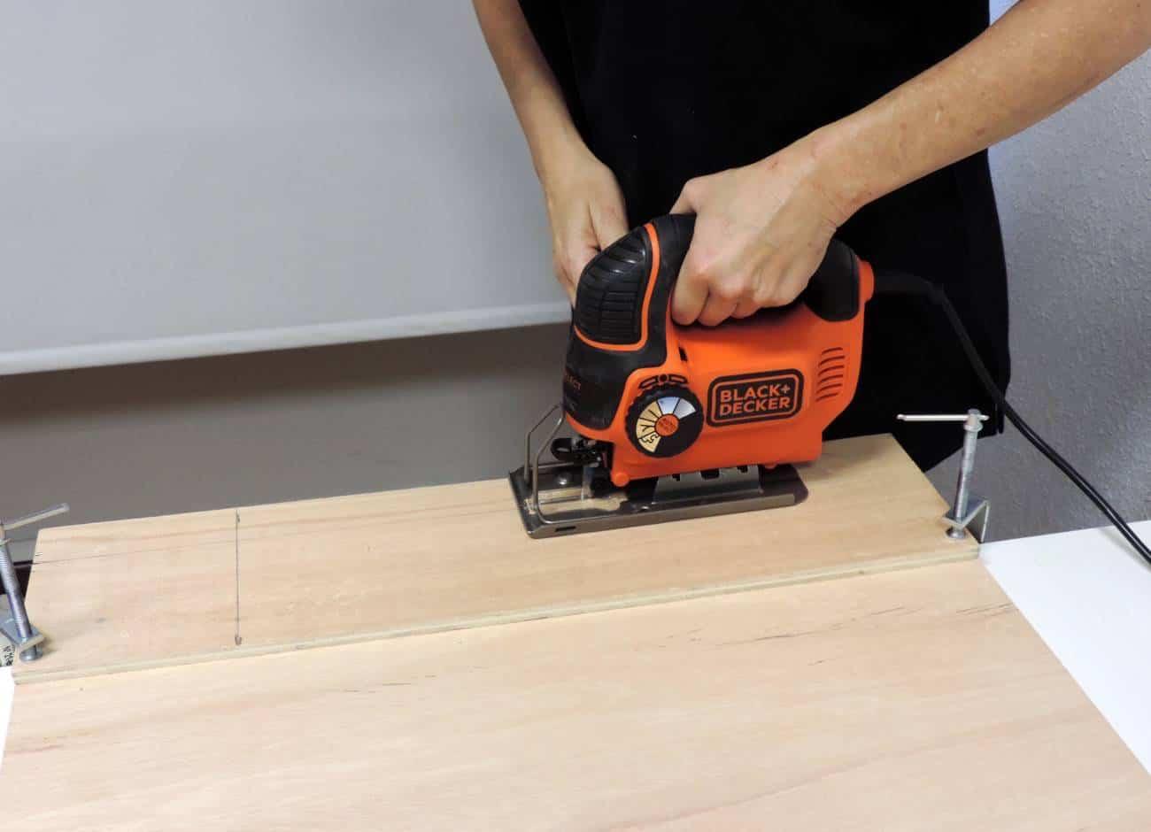 Estanteria para el recibidor - DIY -cortar estanterías 4