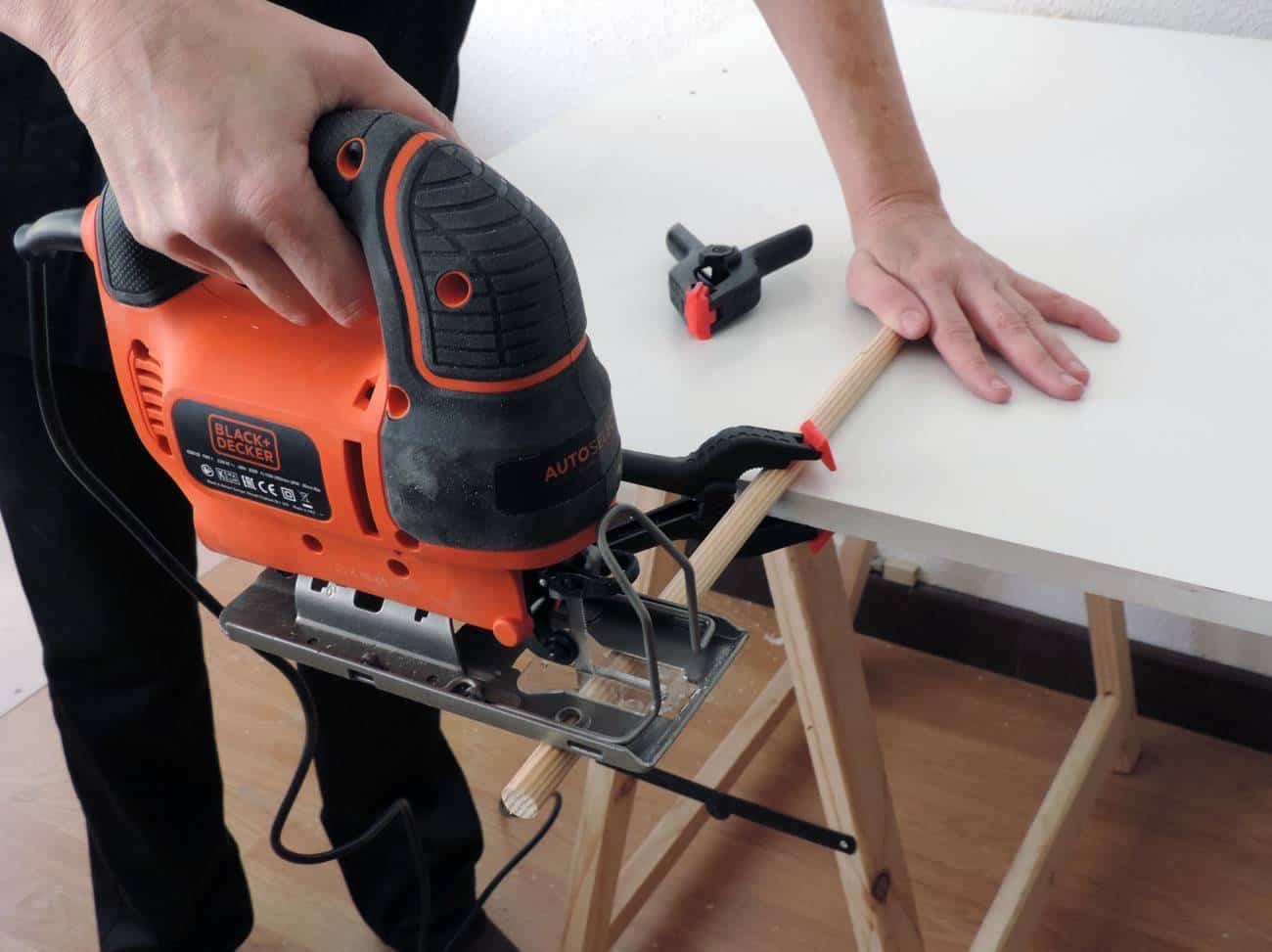 Estanteria para el recibidor - DIY -cortar palos 11