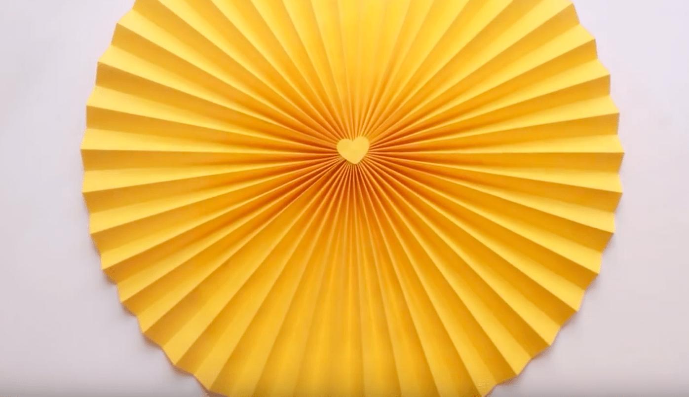 Hacer rosetones de papel