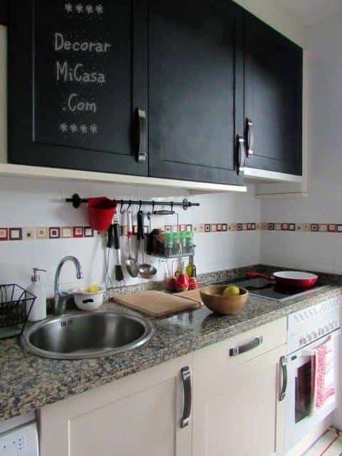 Pintar los armarios de la cocina con pintura de pizarra for Ideas para decorar mi hogar