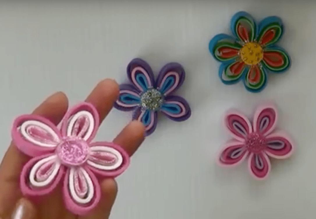 ea01869479a Flores de goma Eva  dos tutoriales con sus paso a paso