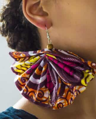 pendientes con materiales reciclados